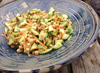 Kikkererwtensalade met avocado en meer