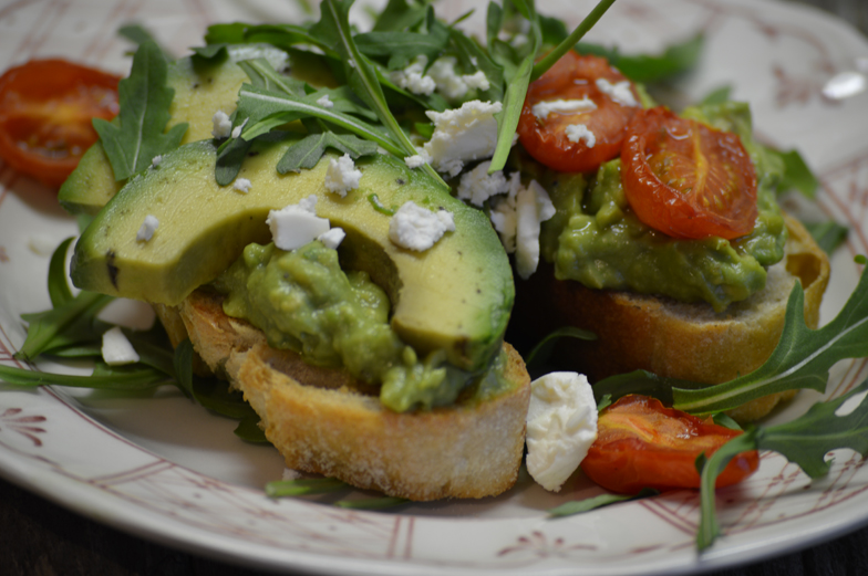 Bruschetta met avocado