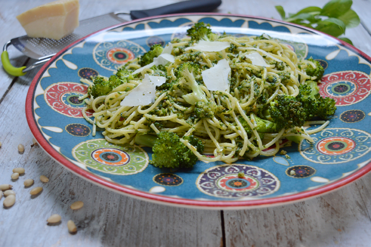 Pasta pesto met broccoli