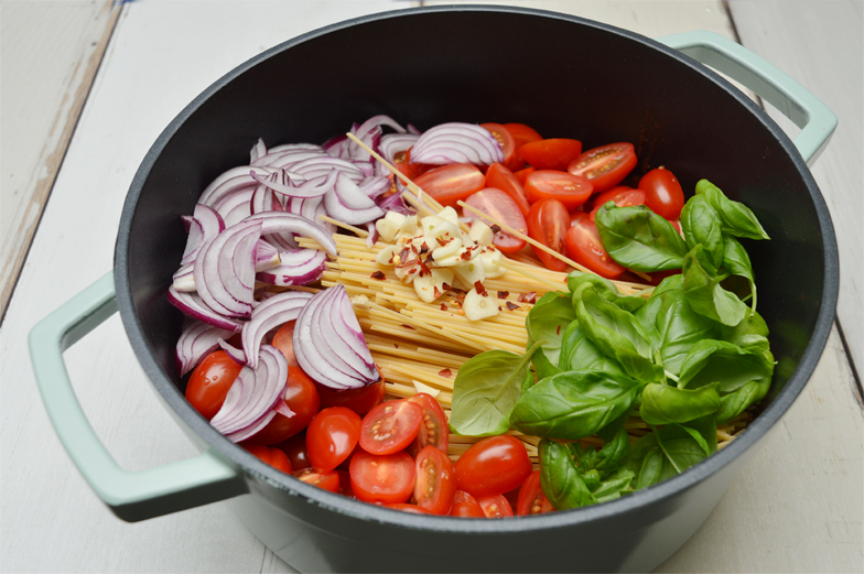 One pot pasta met tomaat