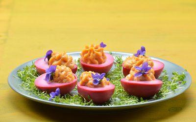 Roze gevulde eitjes