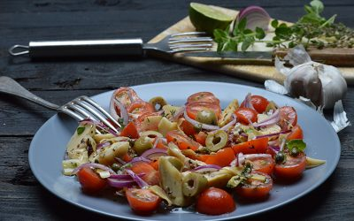 Tomatensalade met artisjokken
