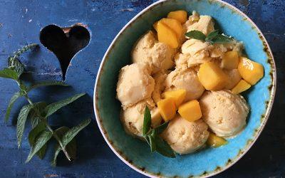 Mango-ijs met kokosmelk