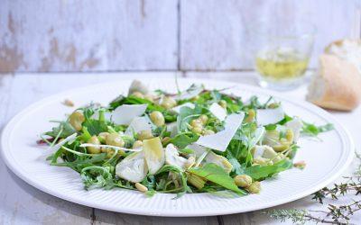 Salade met tuinboontjes en artisjok