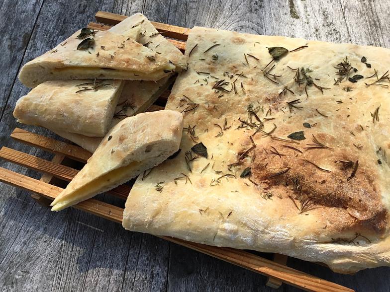 Focaccia gevuld met kaas